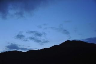 2012/07/08 04:22 眠つけなかった夜が明けて