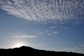 2012/10/02 06:35 すっかり秋の空。もうすぐお日さまでてくるよ。